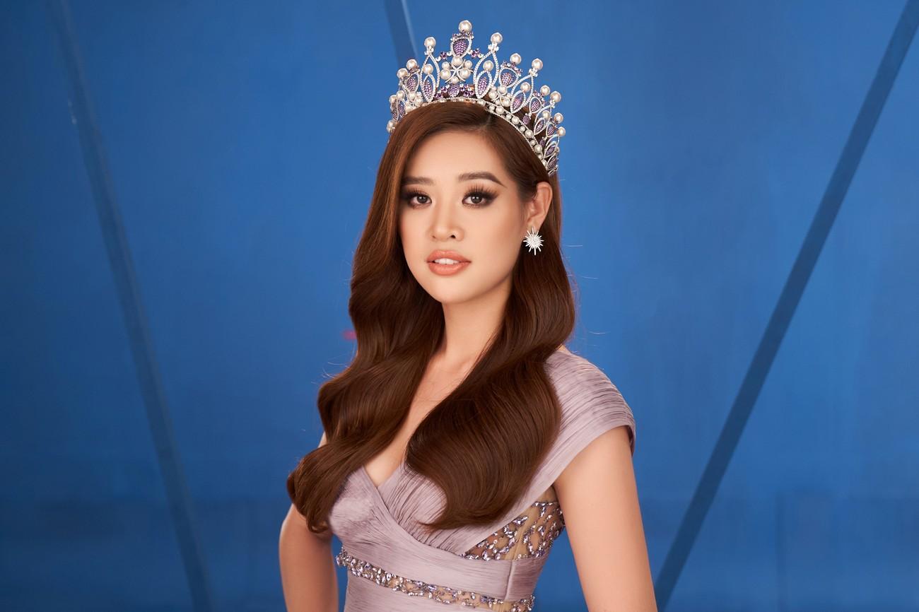 Khánh Vân 'chơi trội' với 5 lay-out nổi bật, quyết tâm 'gây bão' tại Miss Universe 2021 ảnh 10