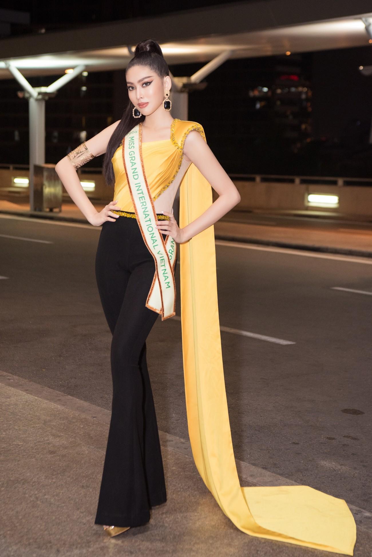Mặc đồ bảo hộ bay sang Thái Lan thi Miss Grand, Á hậu Ngọc Thảo vẫn xinh đẹp rạng rỡ ảnh 4