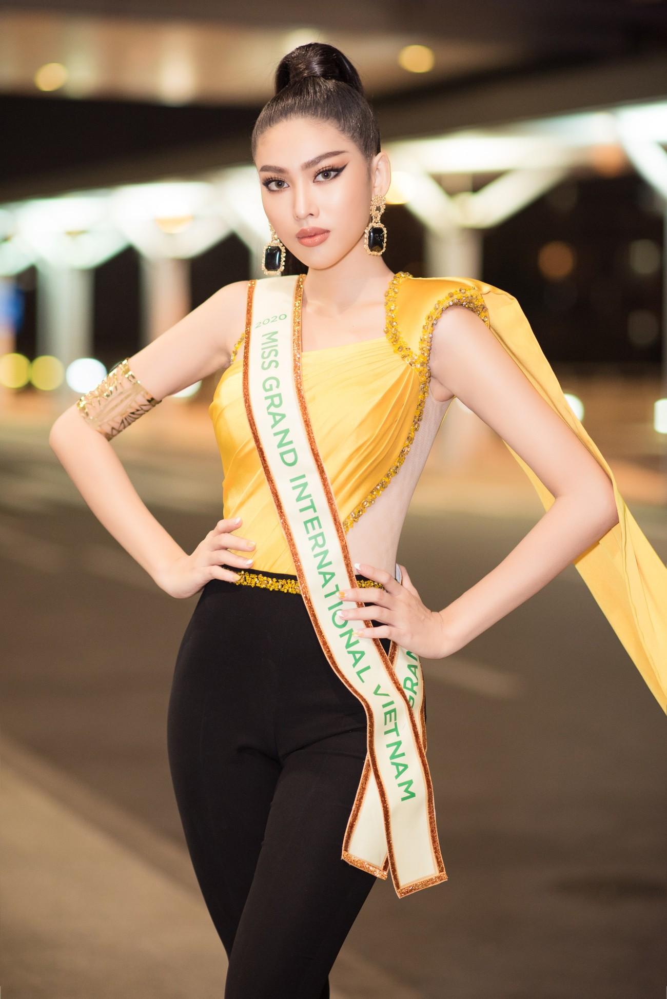 Mặc đồ bảo hộ bay sang Thái Lan thi Miss Grand, Á hậu Ngọc Thảo vẫn xinh đẹp rạng rỡ ảnh 5