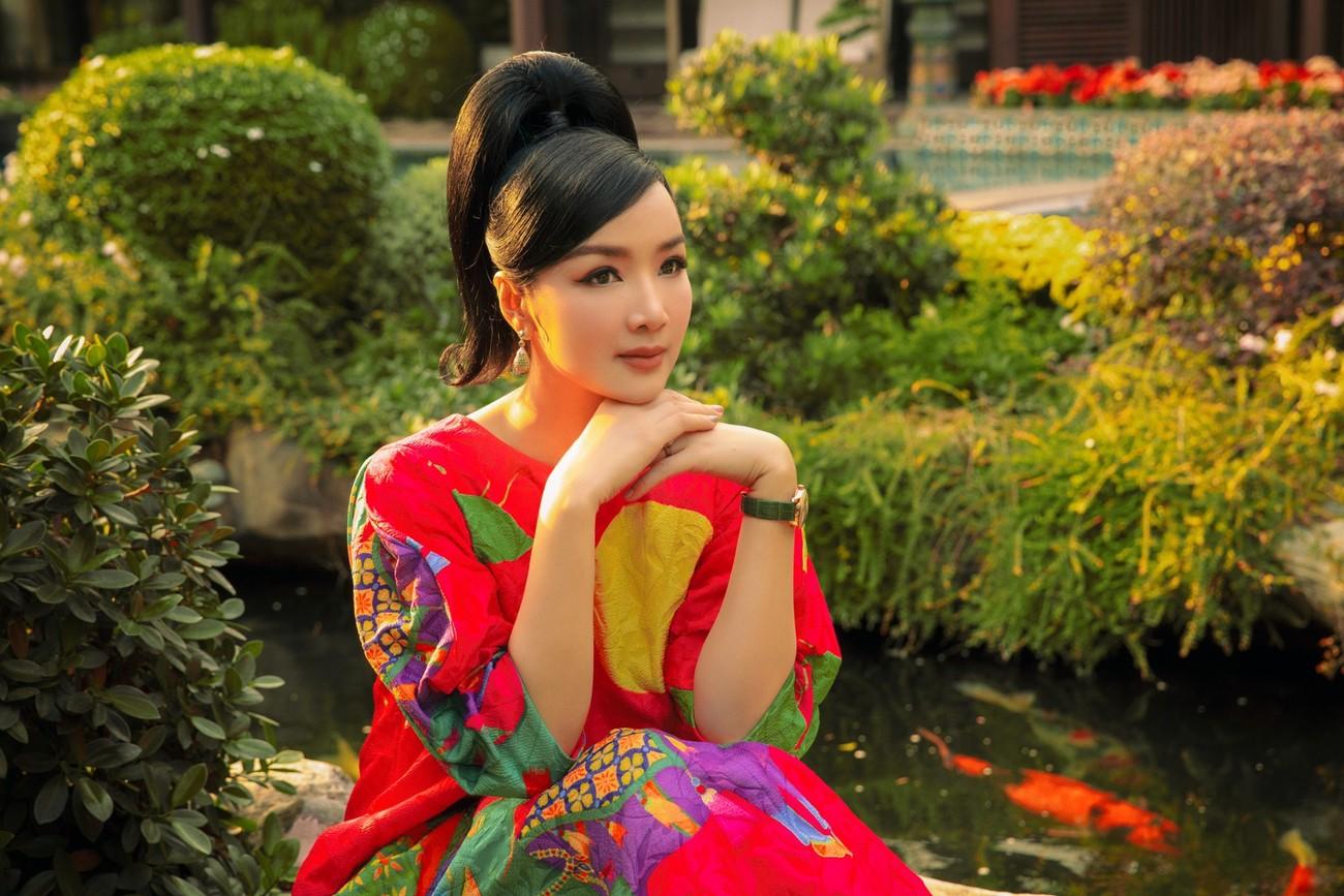 Á hậu Phương Anh mặc áo tắm sexy, Ngọc Thảo giản dị vẫn quyến rũ trong phòng cách ly ảnh 8