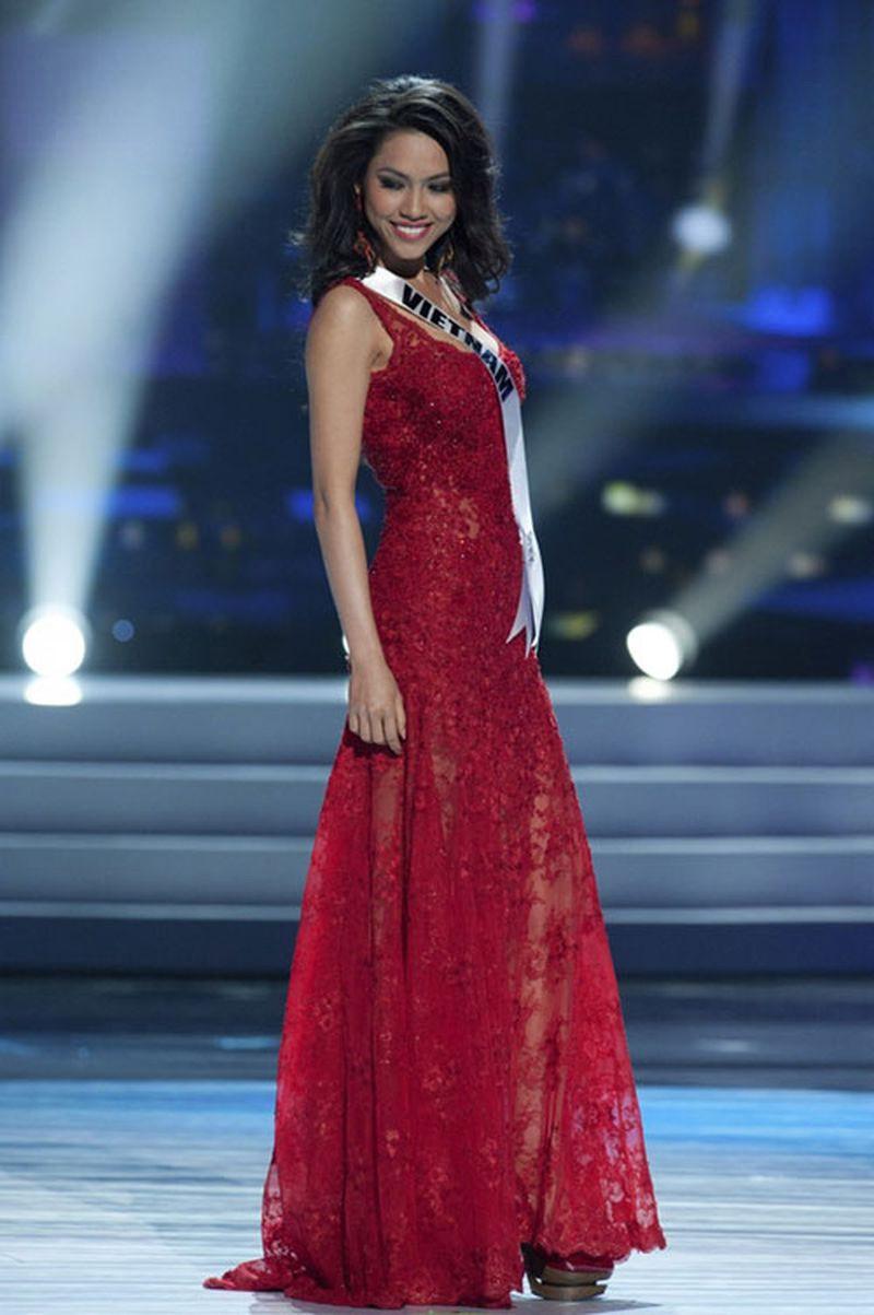 Á hậu duy nhất 'chinh chiến' cả Miss World và Miss Universe giờ thế nào? ảnh 3