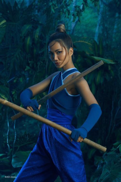 Hoa hậu Đỗ Thị Hà đội vương miện lộng lẫy dự sự kiện, H'Hen Niê hoá công chúa Disney ảnh 4
