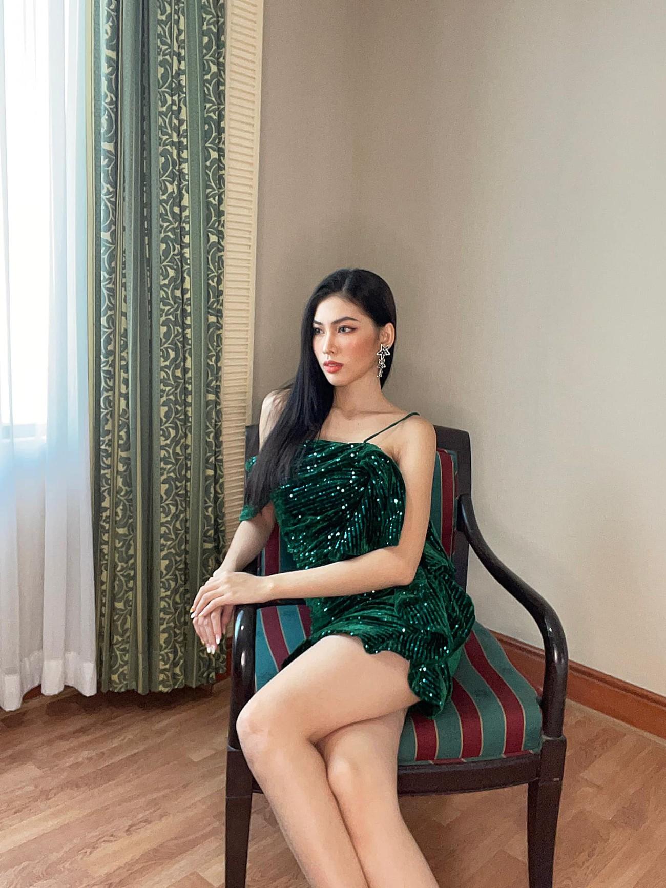 Lần đầu đeo sash Miss Grand Vietnam ở Thái Lan, Ngọc Thảo mặc váy bó sát gợi cảm gây chú ý ảnh 7