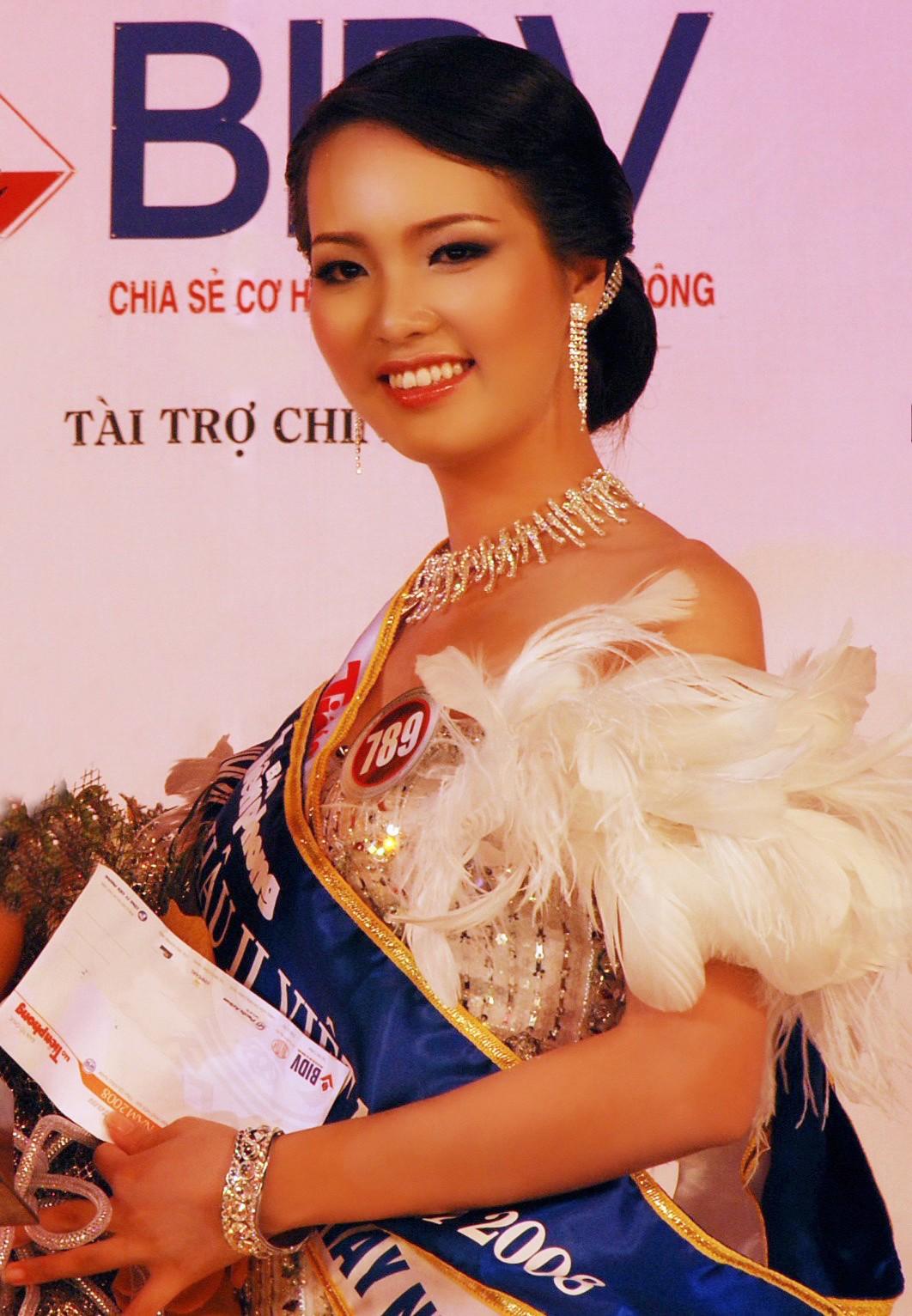 Sự nghiệp đáng nể của những 'Người đẹp ứng xử hay nhất' tại Hoa hậu Việt Nam ảnh 1