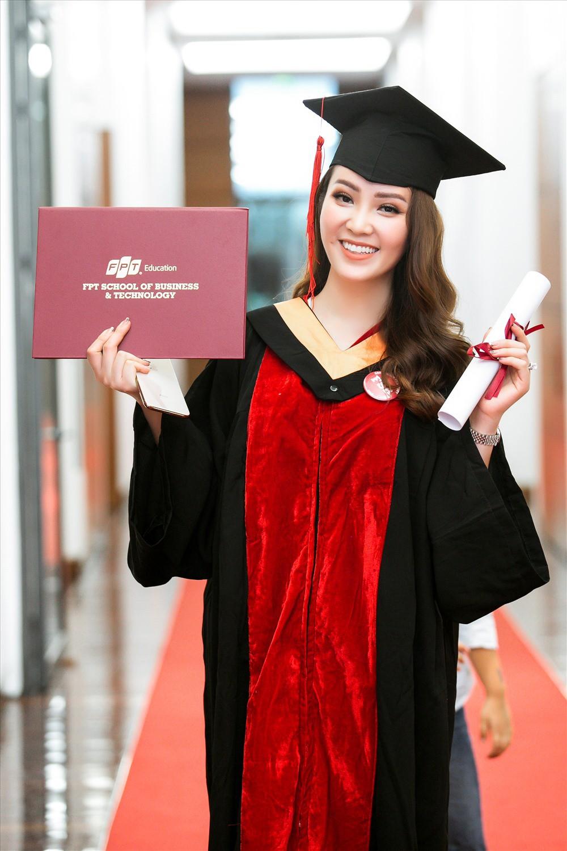 Sự nghiệp đáng nể của những 'Người đẹp ứng xử hay nhất' tại Hoa hậu Việt Nam ảnh 4