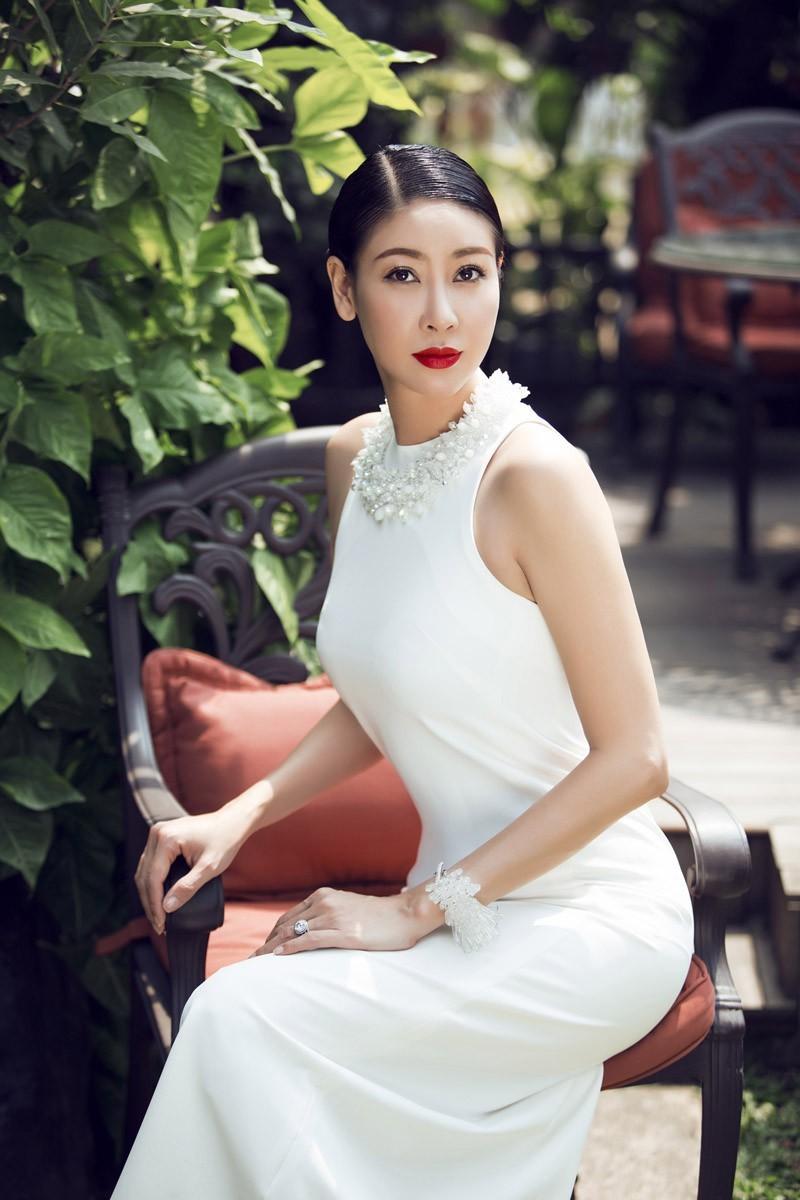 Sự nghiệp đáng nể của những 'Người đẹp ứng xử hay nhất' tại Hoa hậu Việt Nam ảnh 17