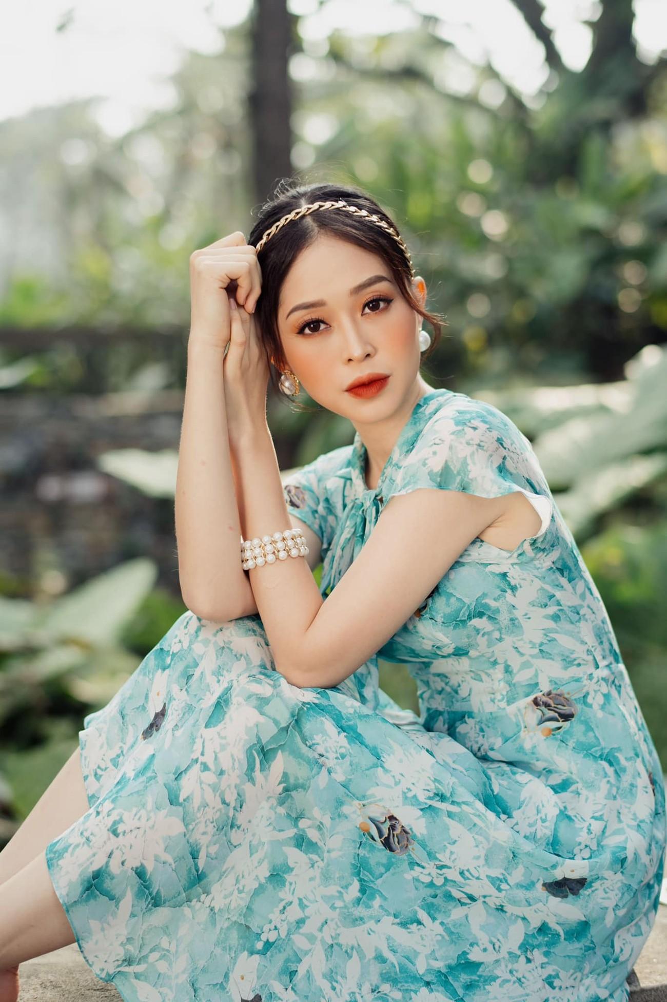 Á hậu Phương Anh đẹp tựa nàng thơ, Ngọc Thảo lên đồ sang chảnh uống cafe trong khu cách ly ảnh 14
