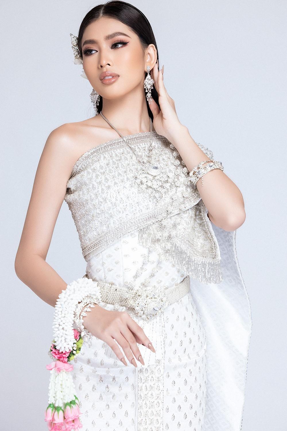 Sau khi bị hack instagram, Ngọc Thảo tung bộ ảnh đẹp 'đỉnh cao' khi mặc quốc phục Thái Lan ảnh 3