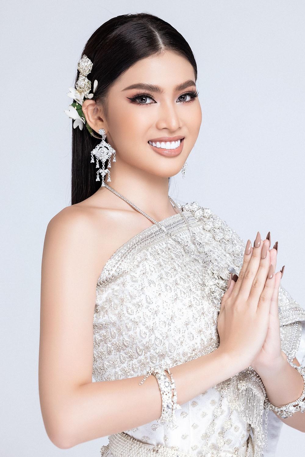 Sau khi bị hack instagram, Ngọc Thảo tung bộ ảnh đẹp 'đỉnh cao' khi mặc quốc phục Thái Lan ảnh 6