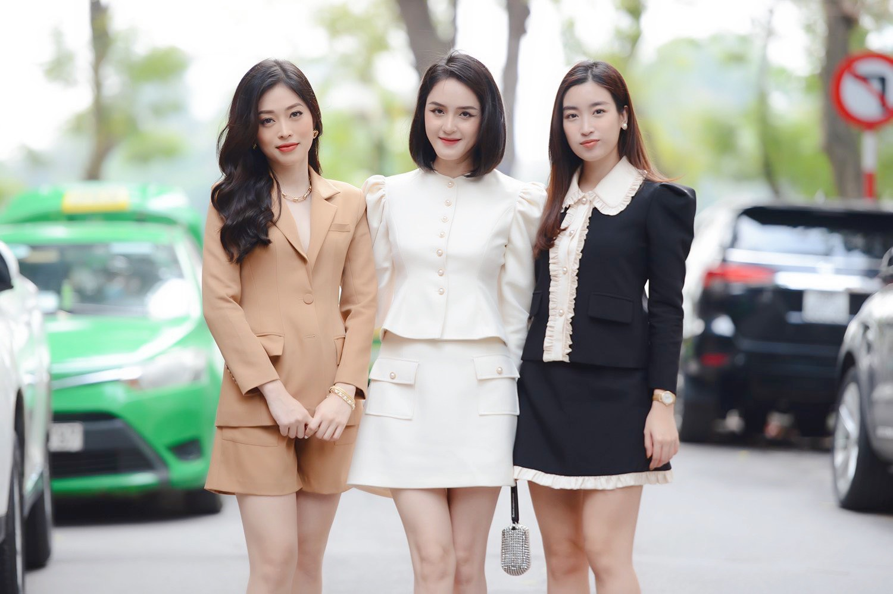 Dàn Hoa, Á hậu đọ sắc xinh đẹp tại họp báo Tiền Phong Marathon 2021 ảnh 1