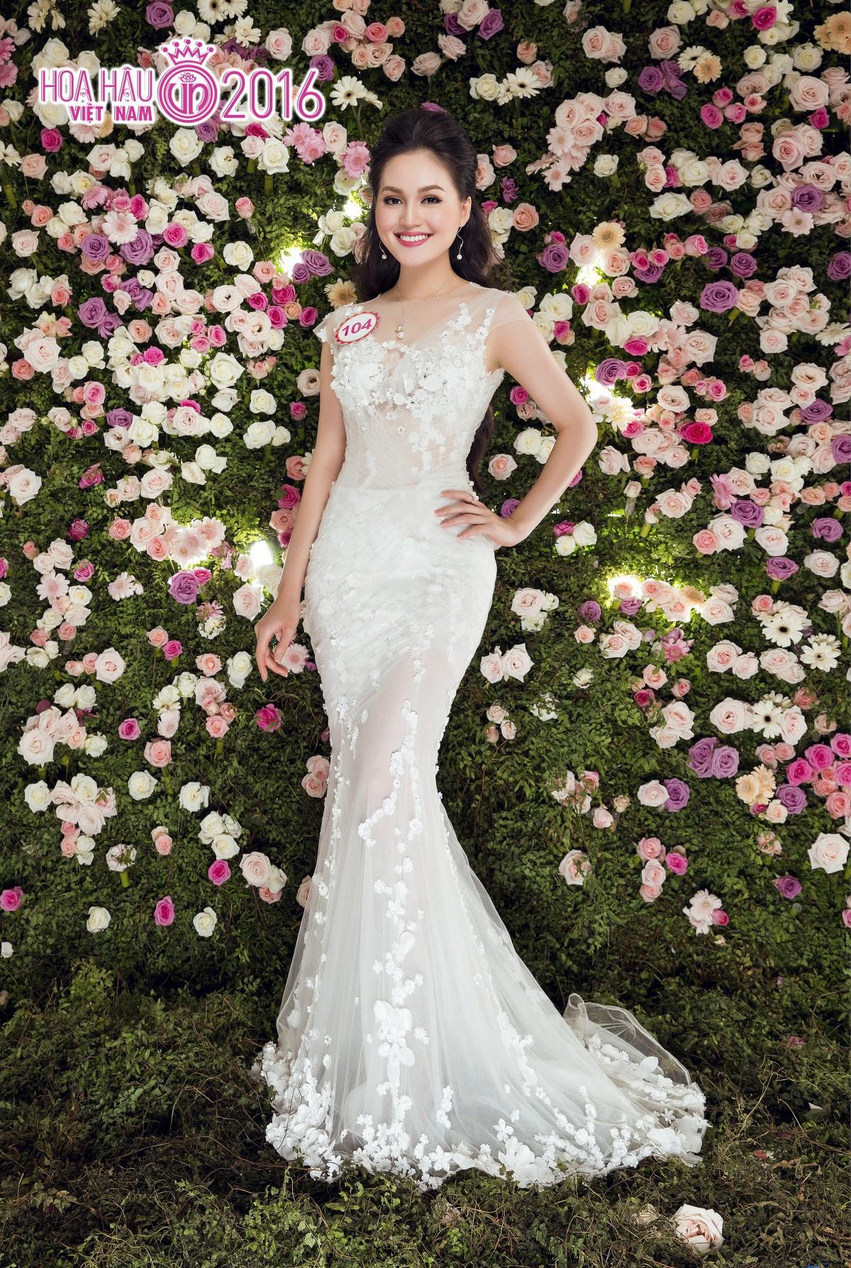 Hai người đẹp hiếm hoi giành giải 'Mặc trang phục dạ hội đẹp nhất' tại Hoa hậu Việt Nam ảnh 2
