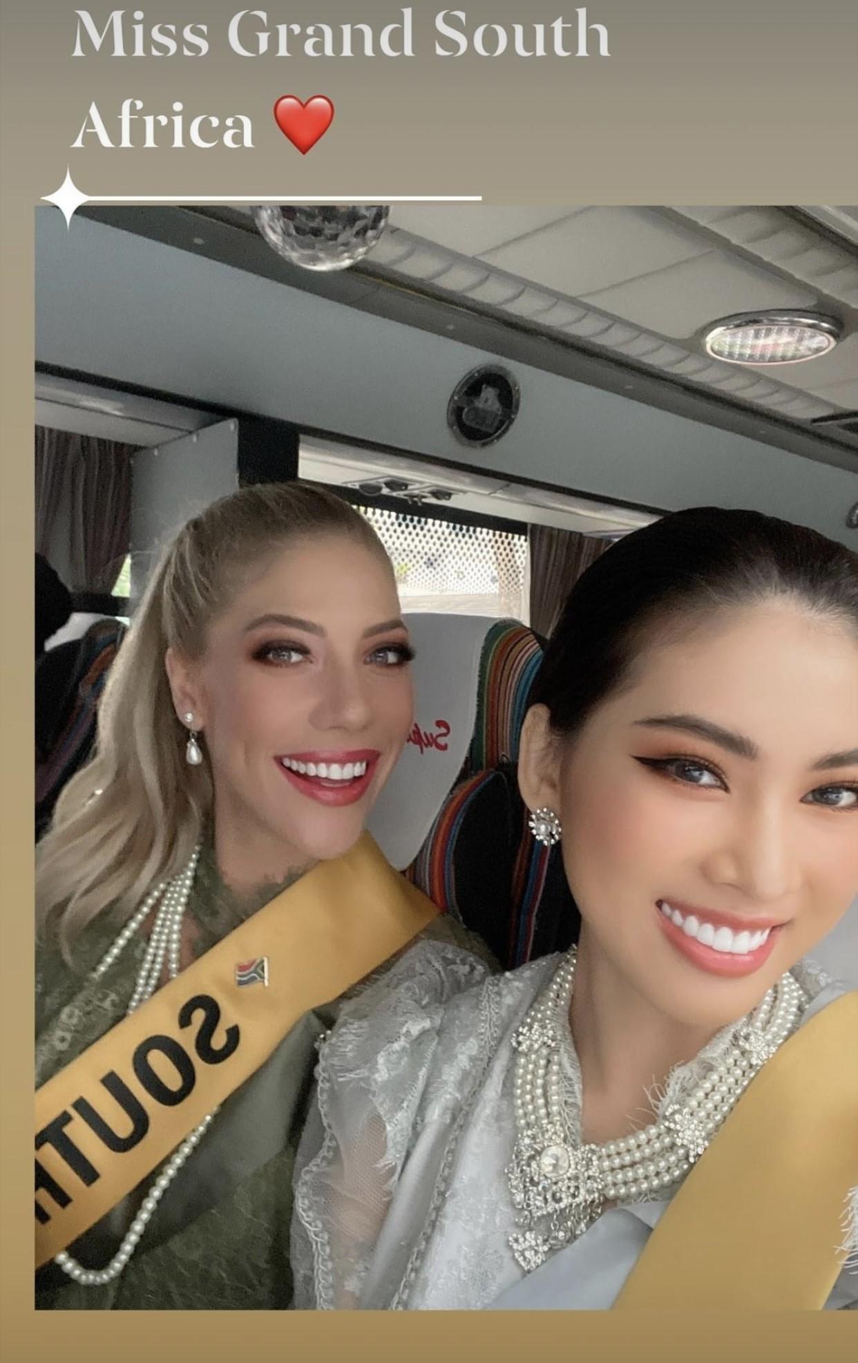 Ngày thứ 3 ở Miss Grand, Ngọc Thảo hoá gái Thái xinh đẹp đi vãn cảnh chùa Vàng ảnh 2