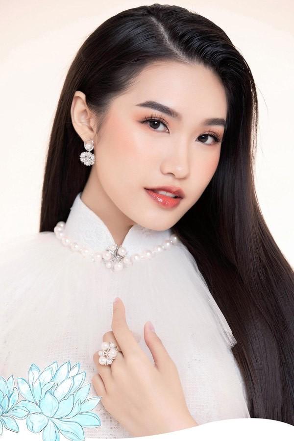 Nhan sắc những người đẹp Hoa hậu Việt Nam được ví là 'bản sao' của người nổi tiếng ảnh 11