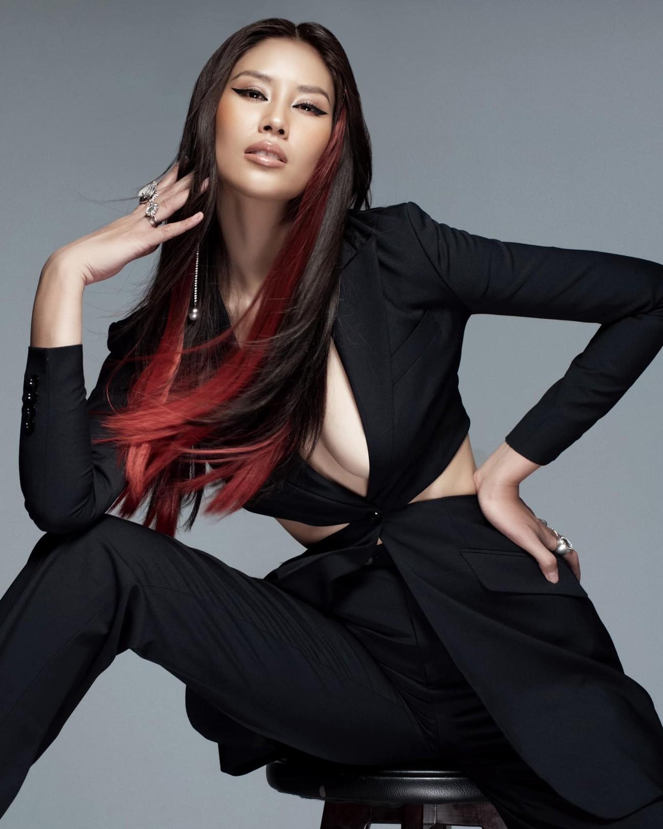 Đỗ Thị Hà đẹp lộng lẫy trong buổi chụp hình mới, Tiểu Vy khoe lưng trần sexy trước biển ảnh 13