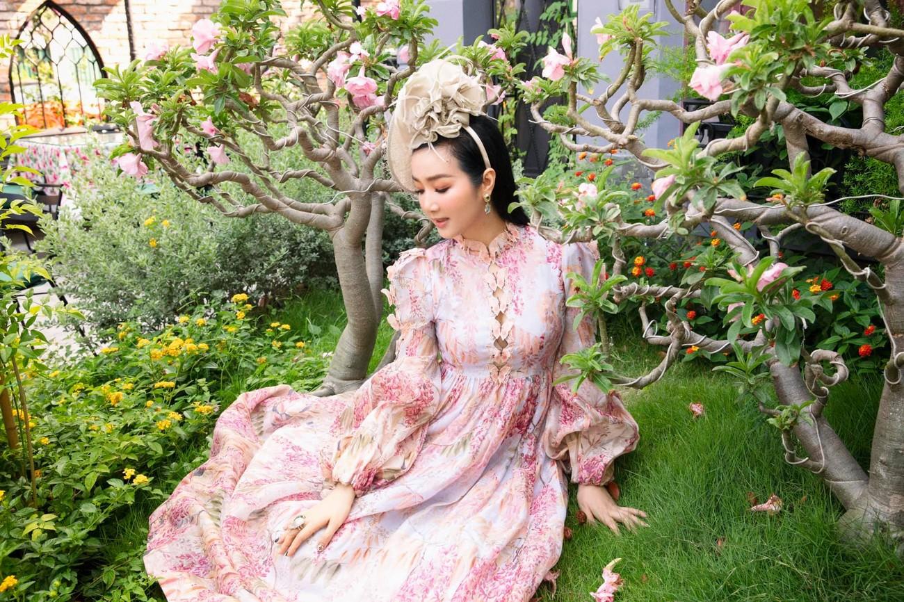 Hoa hậu Đỗ Thị Hà diện váy vàng gold cắt xẻ sexy, khoe loạt thần thái 'đỉnh cao' ảnh 14