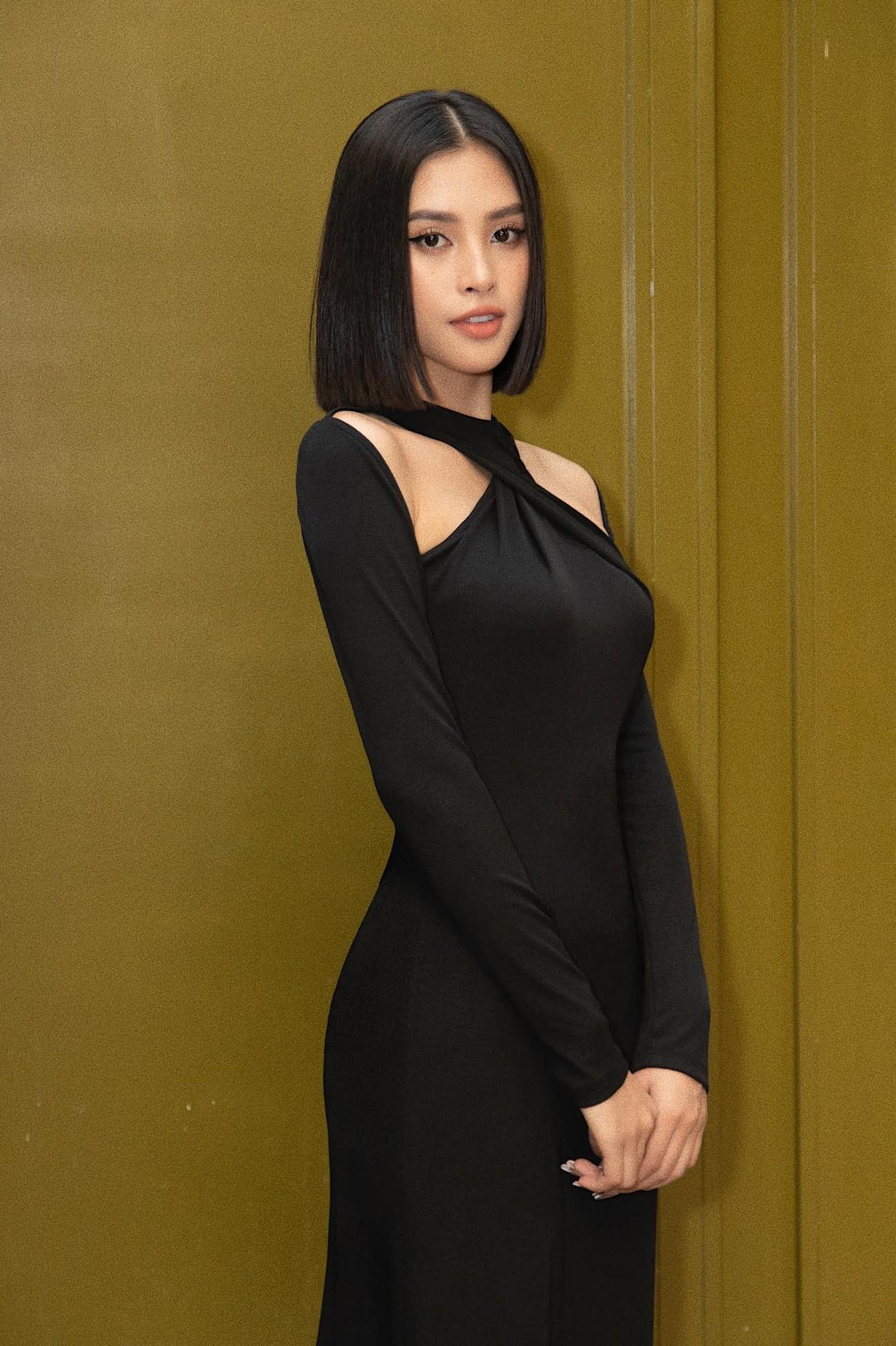 Nhan sắc 'thăng hạng' đầy nóng bỏng của Hoa hậu Tiểu Vy sau khi hết nhiệm kỳ ảnh 4