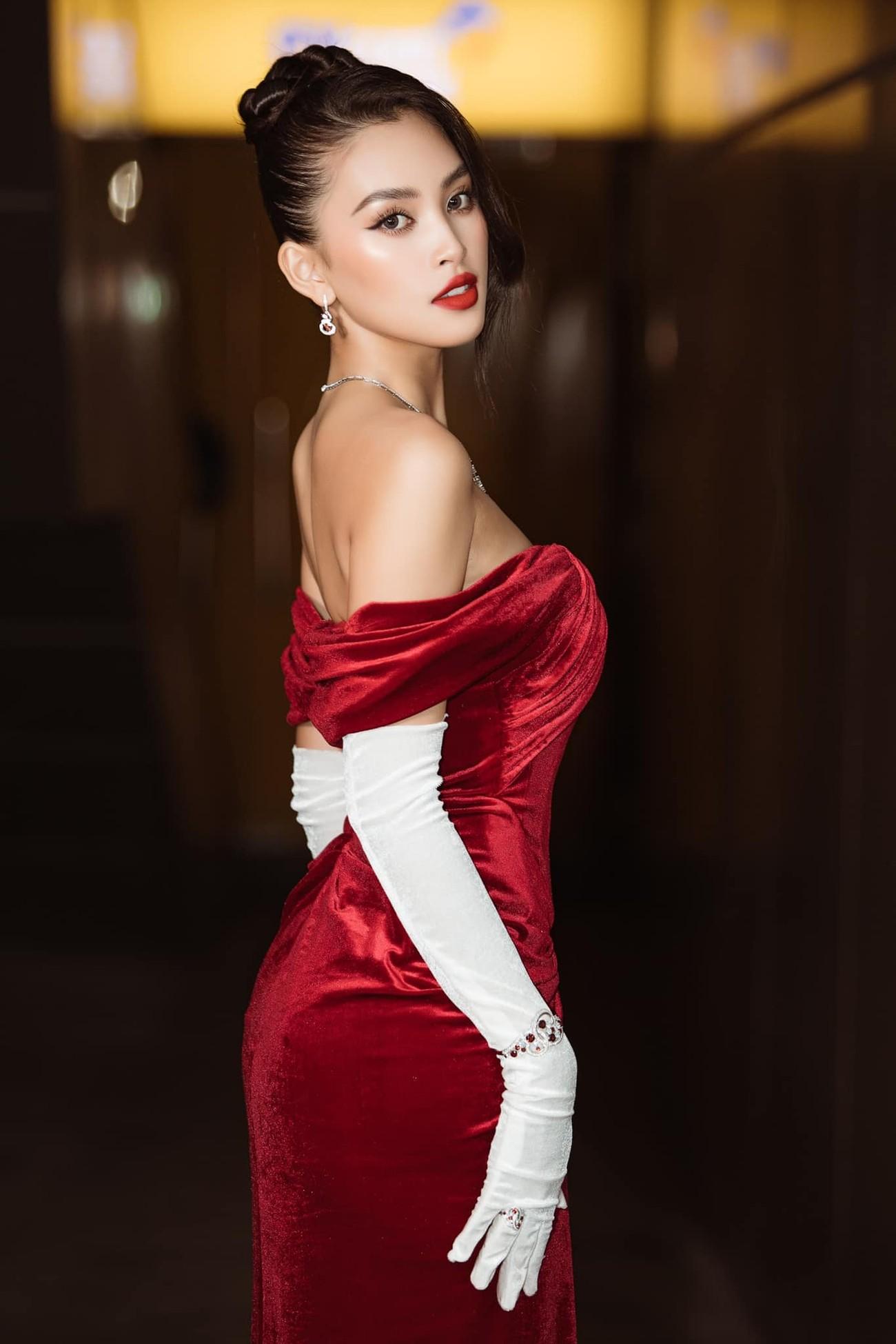 Nhan sắc 'thăng hạng' đầy nóng bỏng của Hoa hậu Tiểu Vy sau khi hết nhiệm kỳ ảnh 2