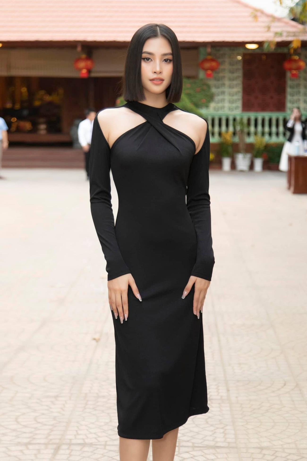 Nhan sắc 'thăng hạng' đầy nóng bỏng của Hoa hậu Tiểu Vy sau khi hết nhiệm kỳ ảnh 3