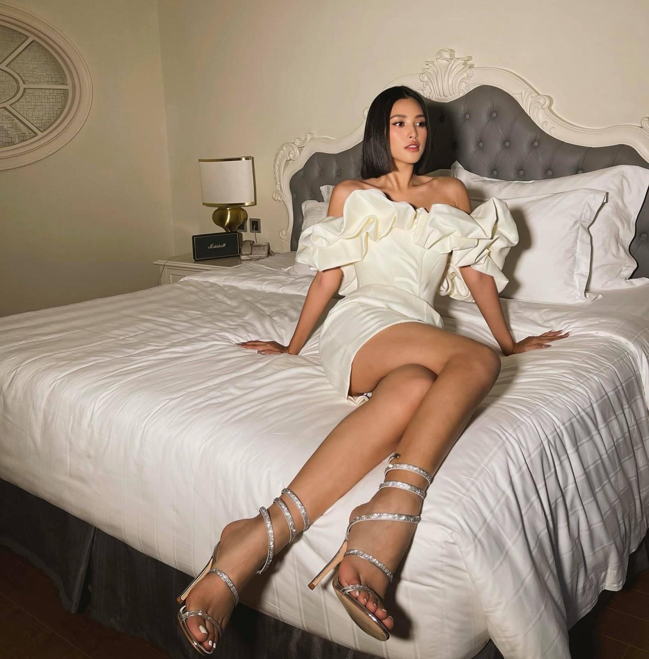 Nhan sắc 'thăng hạng' đầy nóng bỏng của Hoa hậu Tiểu Vy sau khi hết nhiệm kỳ ảnh 7