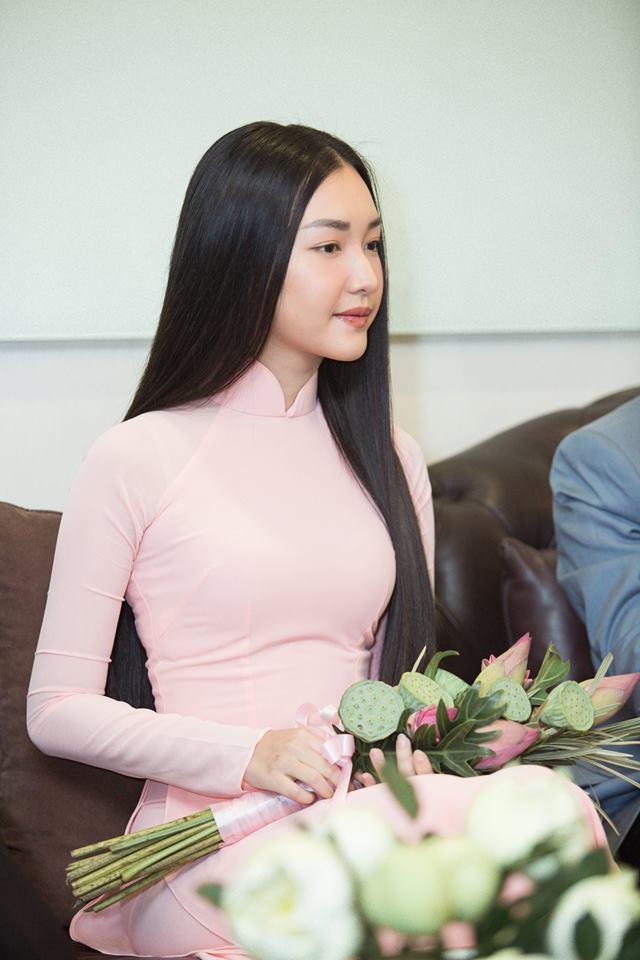 Vẻ đẹp mong manh tựa sương mai của những 'nàng thơ xứ Huế' từng thi Hoa hậu Việt Nam ảnh 5