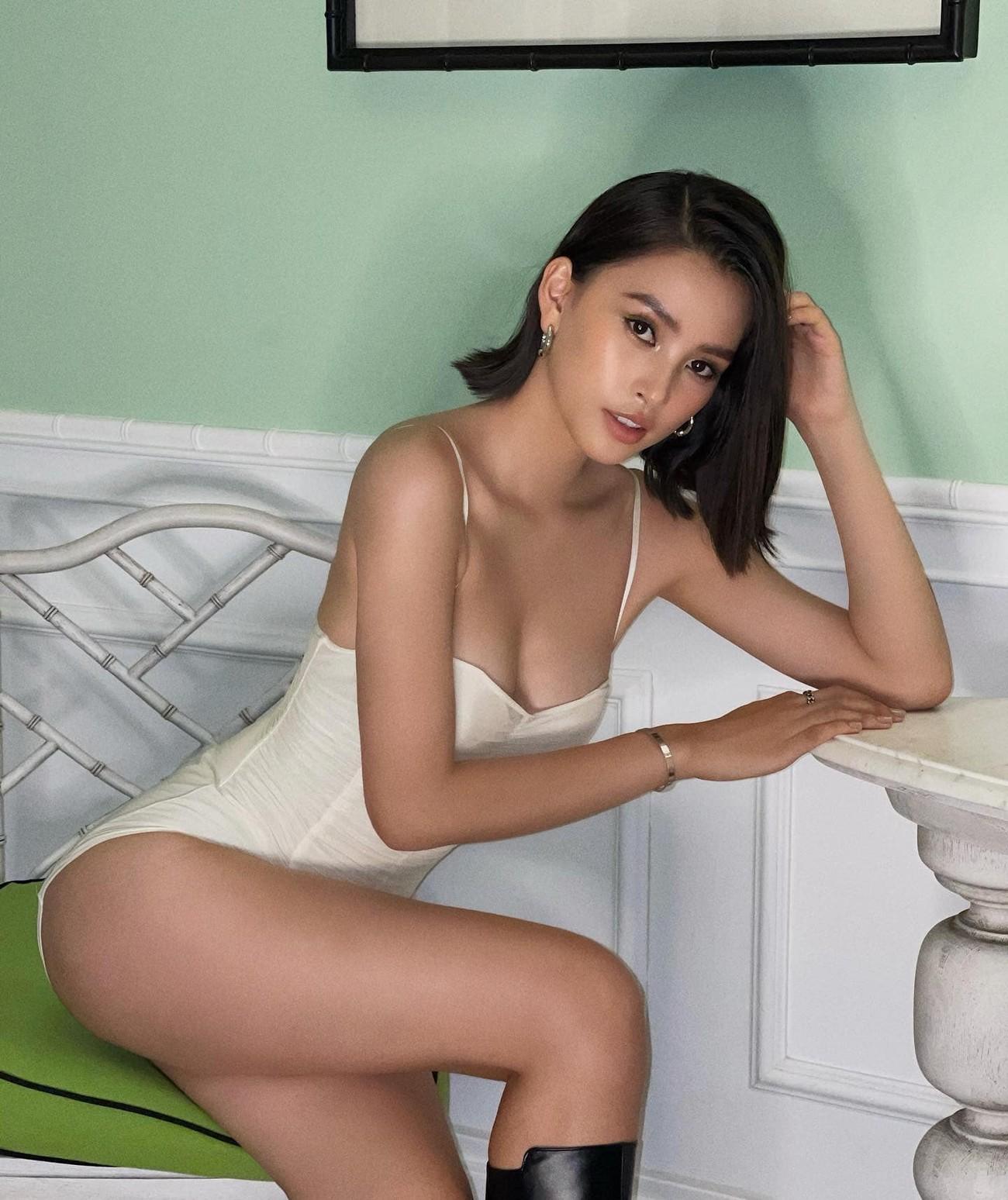 Nhan sắc 'thăng hạng' đầy nóng bỏng của Hoa hậu Tiểu Vy sau khi hết nhiệm kỳ ảnh 12