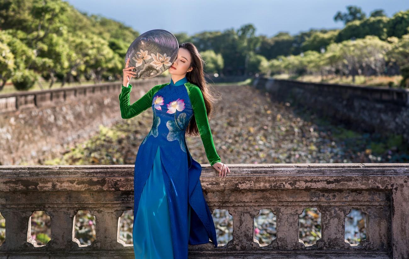 Vẻ đẹp mong manh tựa sương mai của những 'nàng thơ xứ Huế' từng thi Hoa hậu Việt Nam ảnh 9