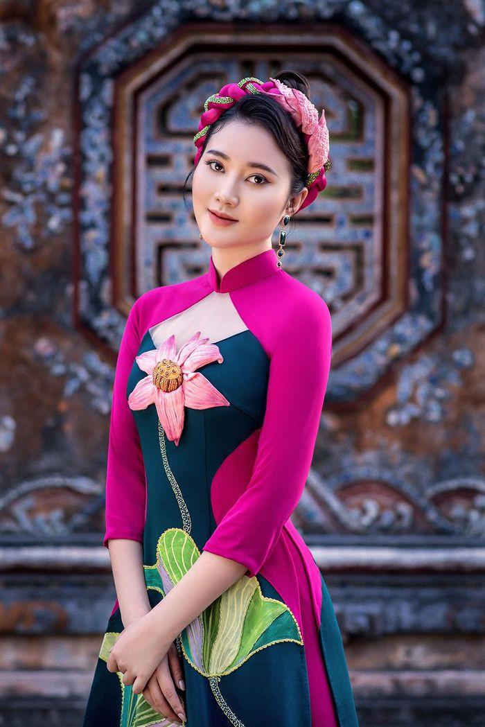Vẻ đẹp mong manh tựa sương mai của những 'nàng thơ xứ Huế' từng thi Hoa hậu Việt Nam ảnh 8