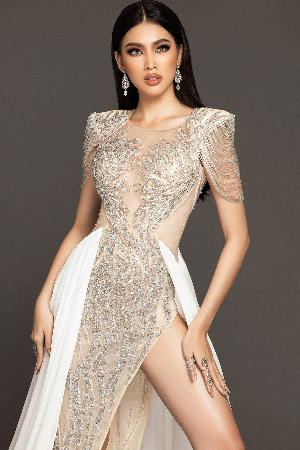 Lộ diện váy dạ hội mang thông điệp hòa bình của Ngọc Thảo tại bán kết Miss Grand ảnh 5