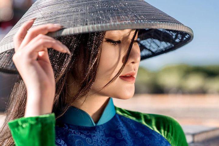 Vẻ đẹp mong manh tựa sương mai của những 'nàng thơ xứ Huế' từng thi Hoa hậu Việt Nam ảnh 10