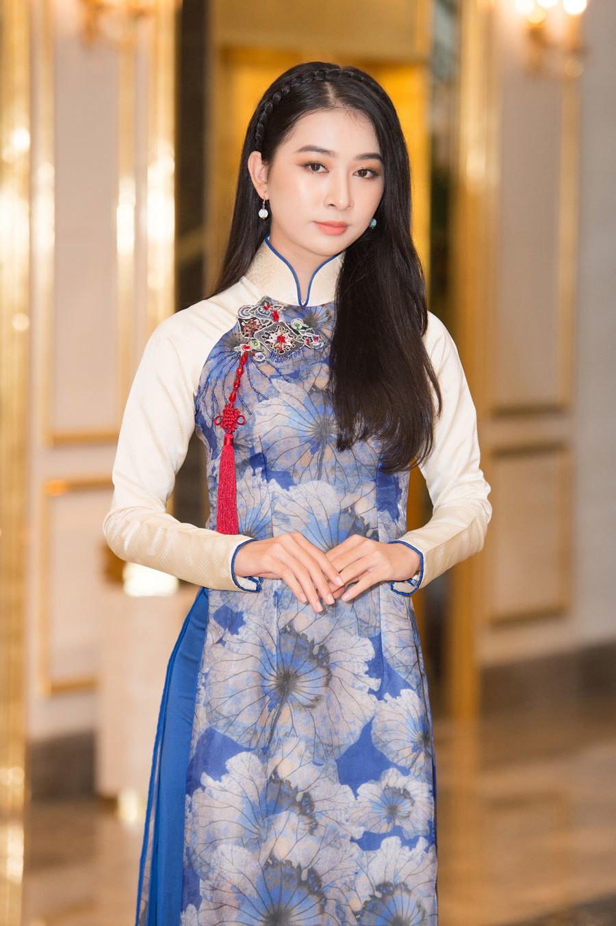 Vẻ đẹp mong manh tựa sương mai của những 'nàng thơ xứ Huế' từng thi Hoa hậu Việt Nam ảnh 1