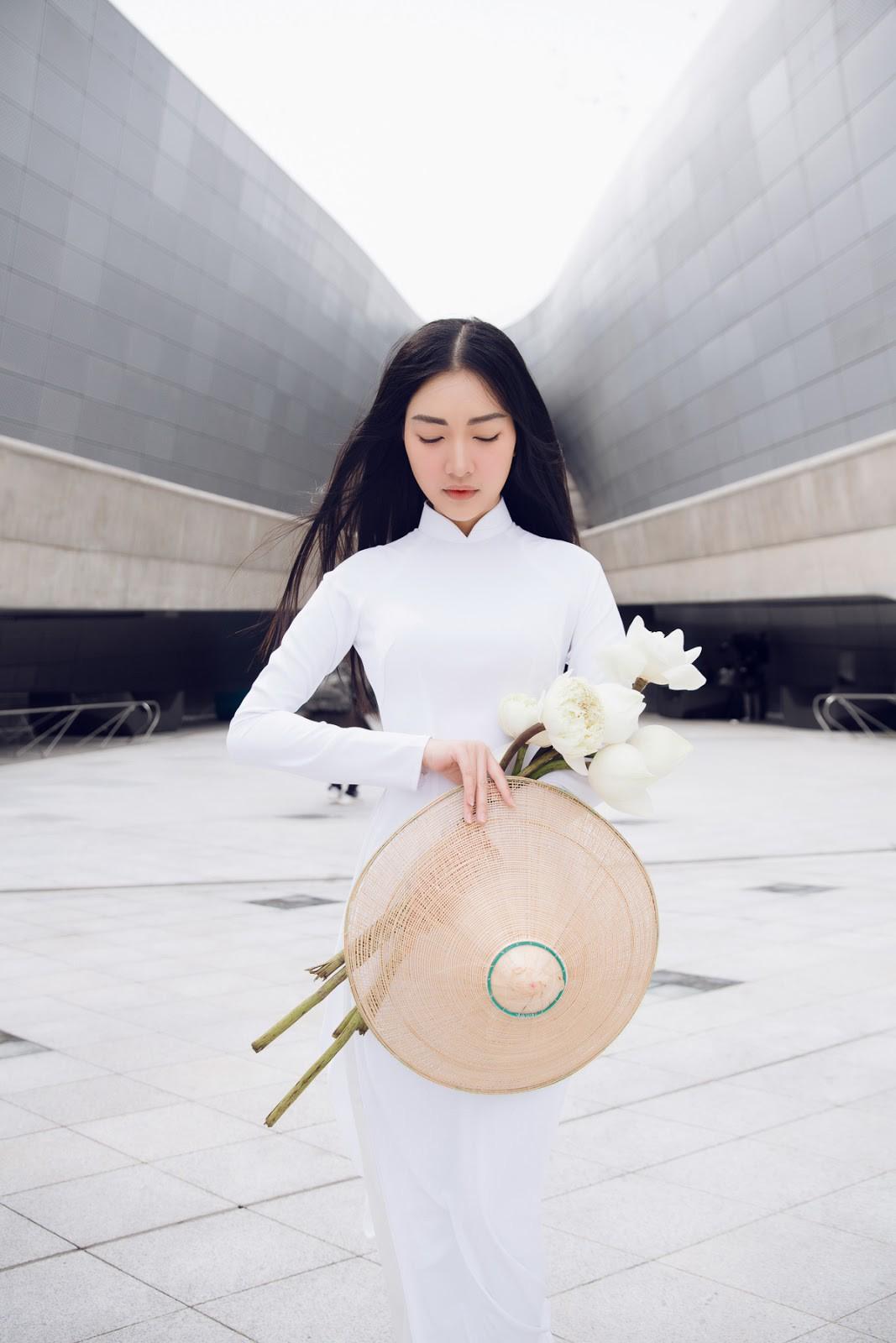 Vẻ đẹp mong manh tựa sương mai của những 'nàng thơ xứ Huế' từng thi Hoa hậu Việt Nam ảnh 6