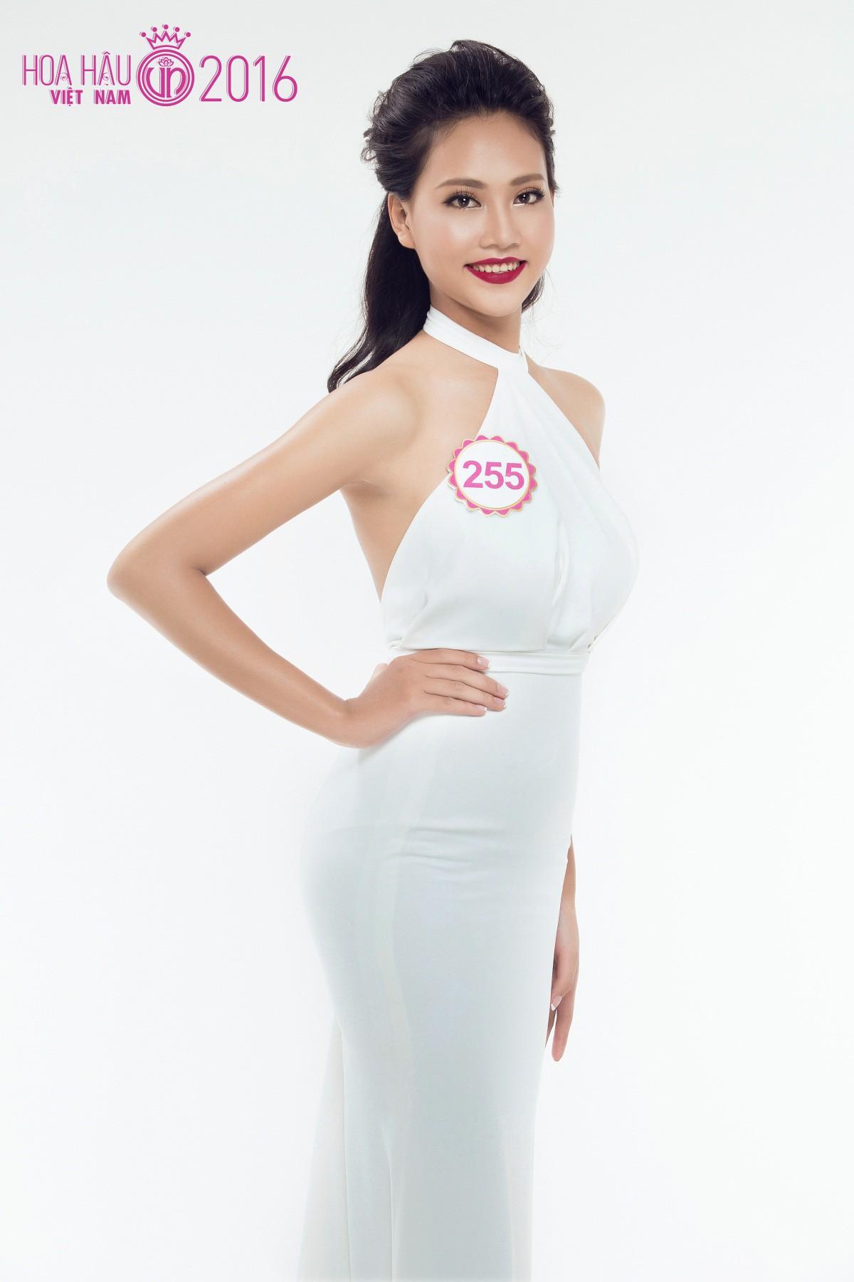 Vẻ đẹp mong manh tựa sương mai của những 'nàng thơ xứ Huế' từng thi Hoa hậu Việt Nam ảnh 11