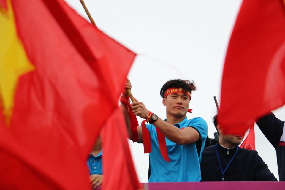 Bài dự thi: U23 Việt Nam - Rạng rỡ ngày trở về ảnh 1
