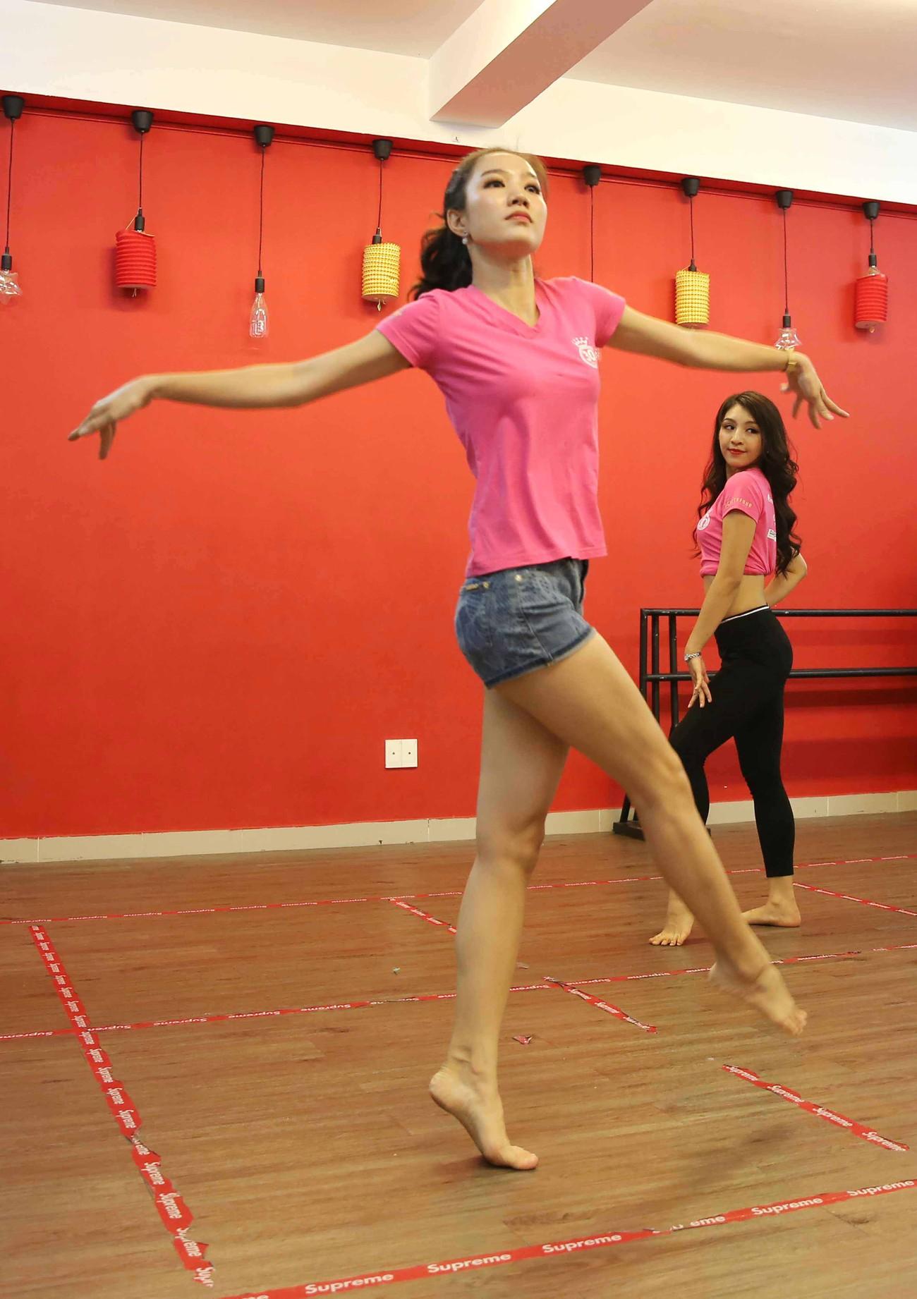 Thí sinh tài năng sẽ khuấy động sân khấu Chung kết Hoa hậu Việt Nam ảnh 9