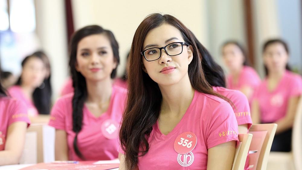Lớp học nói trước đám đông của thí sinh Hoa hậu Việt Nam ảnh 7