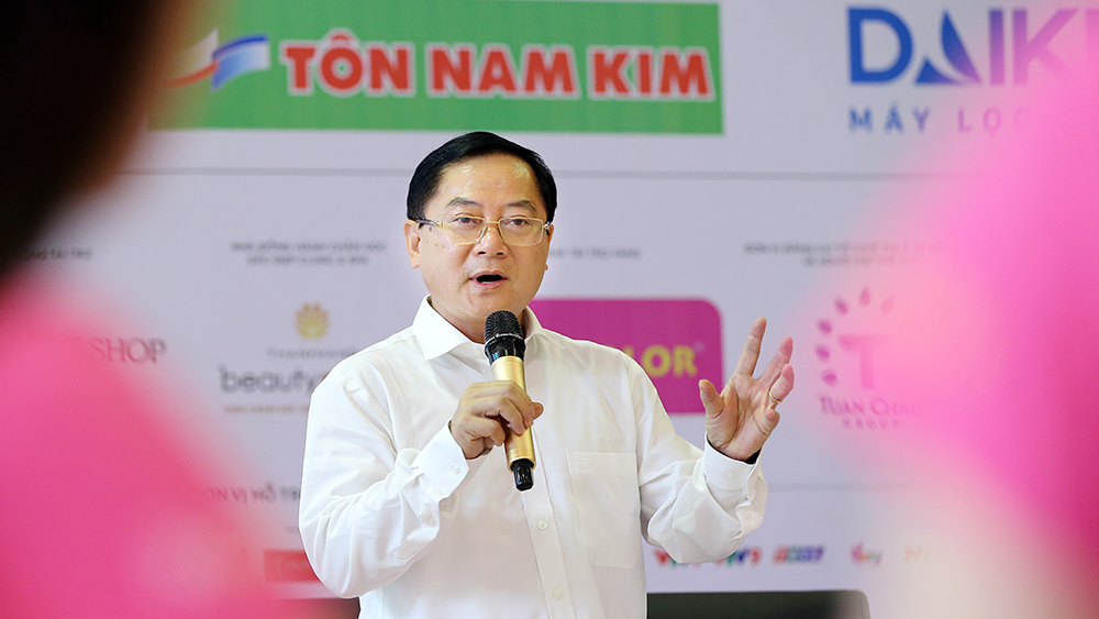 Lớp học nói trước đám đông của thí sinh Hoa hậu Việt Nam ảnh 6