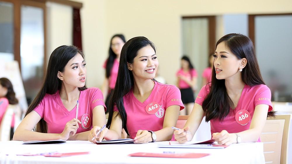 Lớp học nói trước đám đông của thí sinh Hoa hậu Việt Nam ảnh 9
