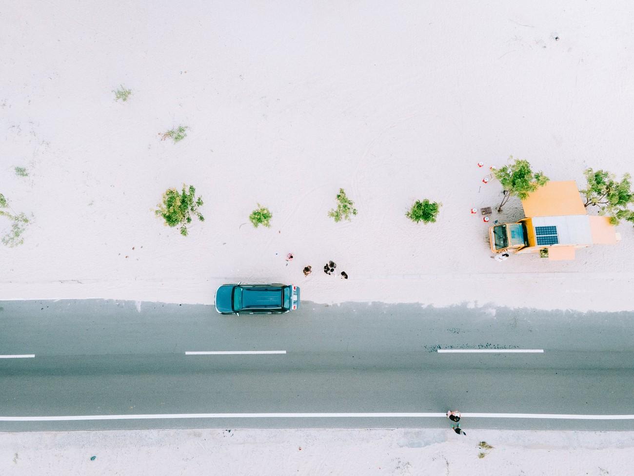 Đi đâu đón 2021: Cung đường biển phủ đầy cát trắng đẹp nhất Việt Nam ảnh 2