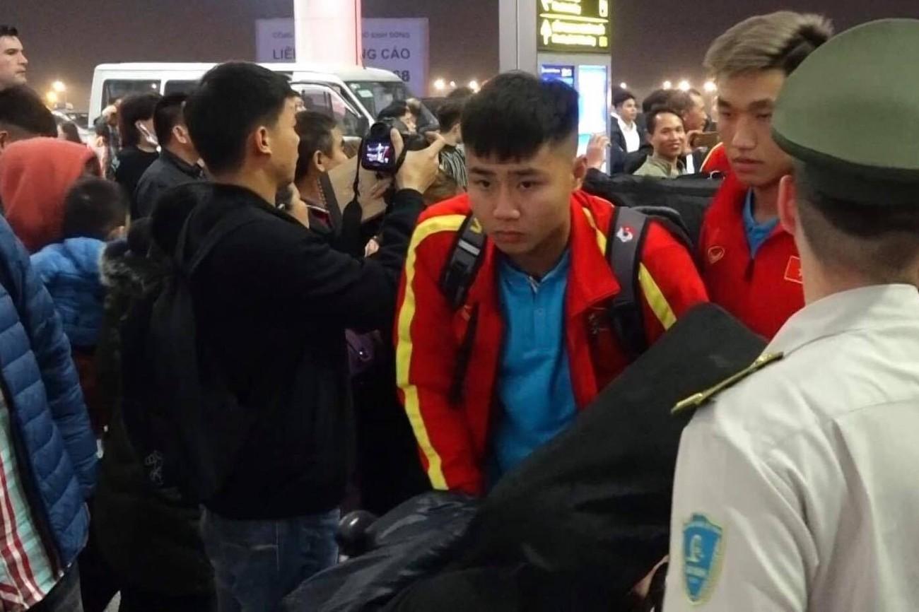 U23 Việt Nam sang Hàn Quốc tập huấn lúc nửa đêm ảnh 5