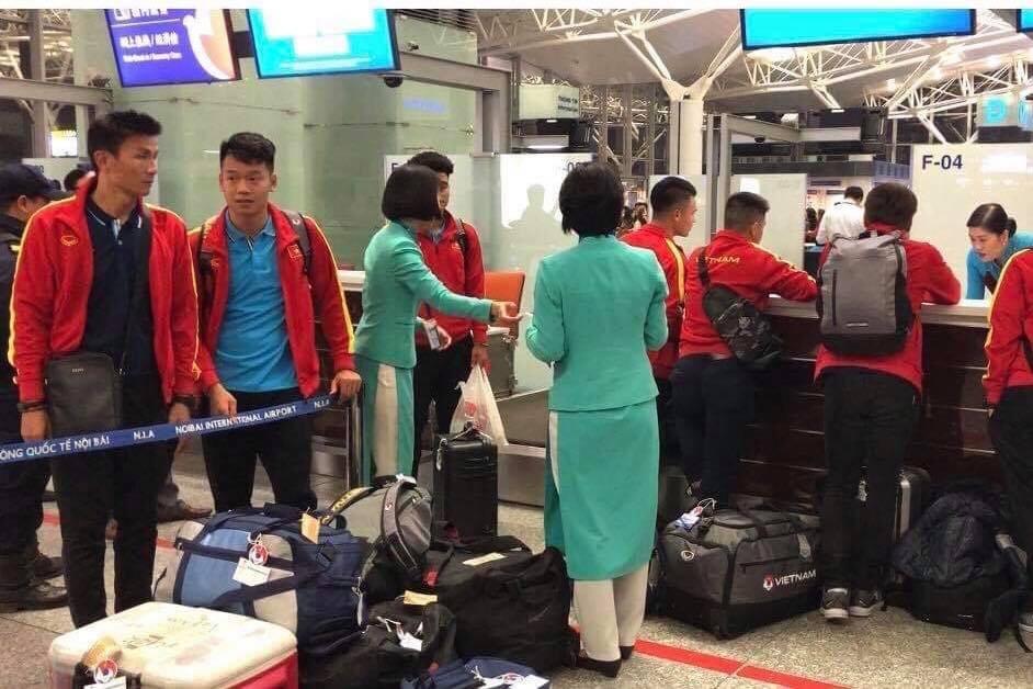 U23 Việt Nam sang Hàn Quốc tập huấn lúc nửa đêm ảnh 1