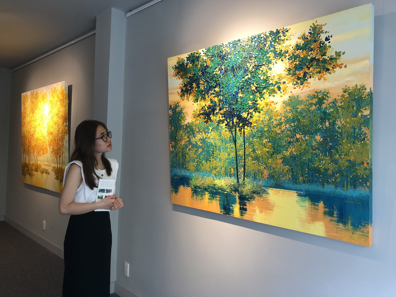 """Đắm chìm trong những bức họa thiên nhiên tại triển lãm """"Sức Sống Mộc Nhiên"""" ảnh 3"""