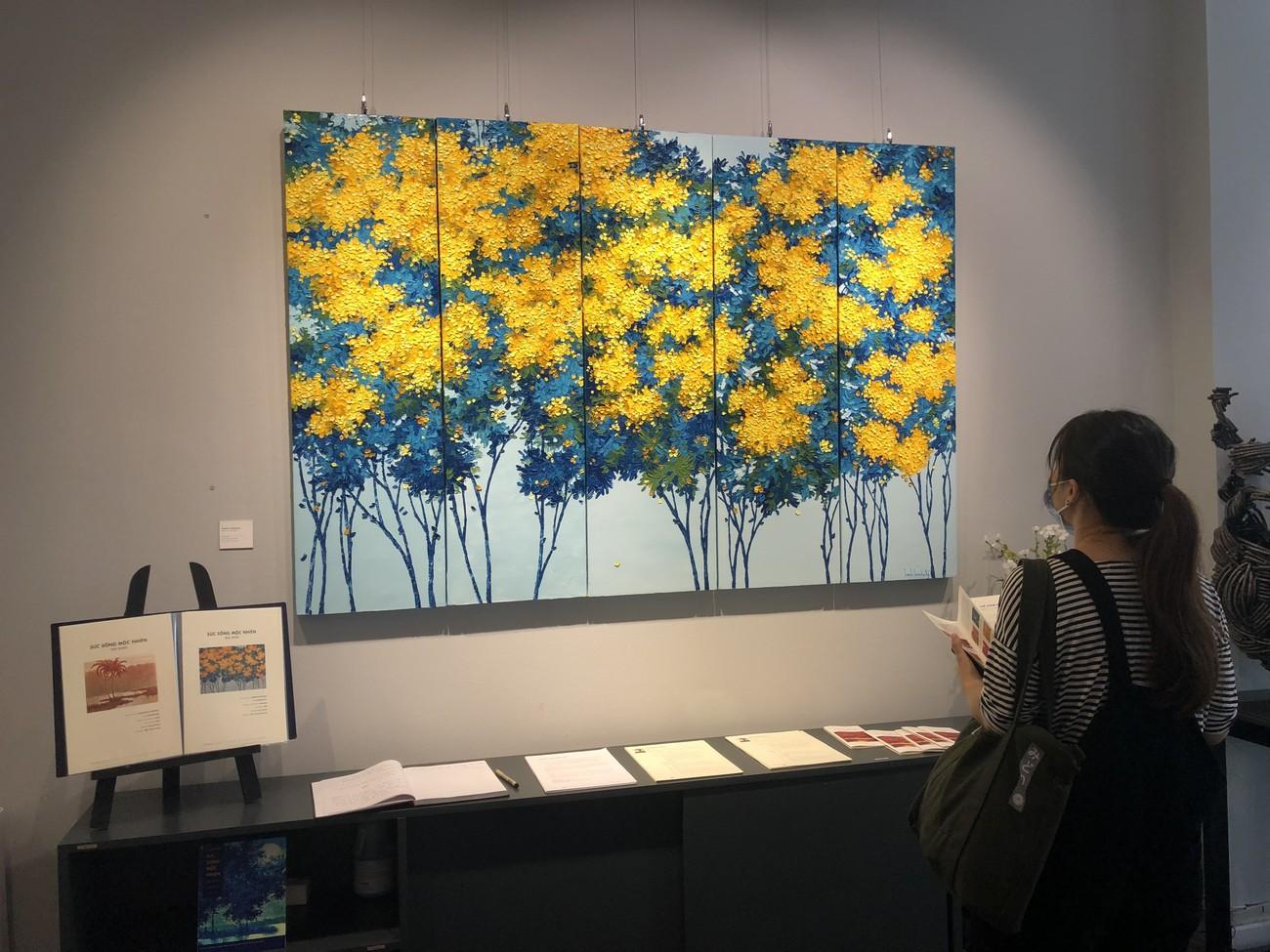 """Đắm chìm trong những bức họa thiên nhiên tại triển lãm """"Sức Sống Mộc Nhiên"""" ảnh 2"""