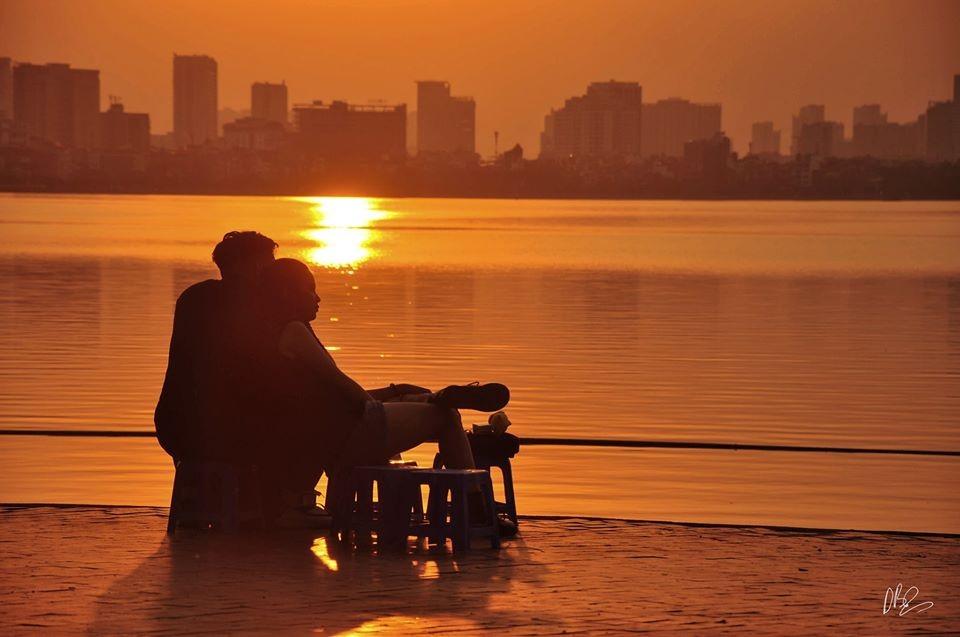 """Gác lại âu lo, cùng ngắm hoàng hôn tại những địa điểm cực """"chill"""" tại Hà Nội ảnh 3"""