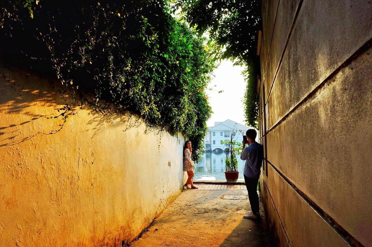 """Gác lại âu lo, cùng ngắm hoàng hôn tại những địa điểm cực """"chill"""" tại Hà Nội ảnh 4"""