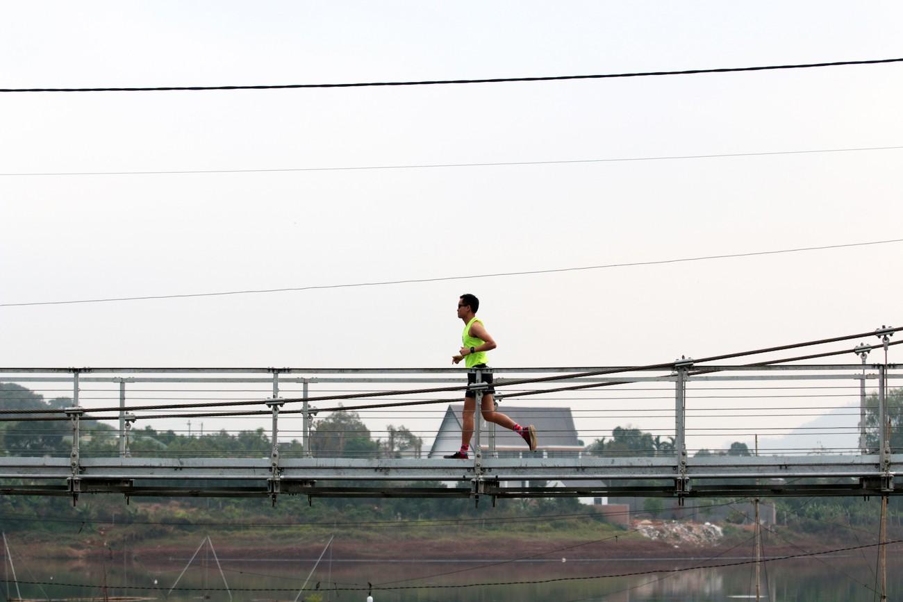 Cây cầu treo độc đáo trên đường chạy Tiền Phong Marathon 2021 ảnh 6