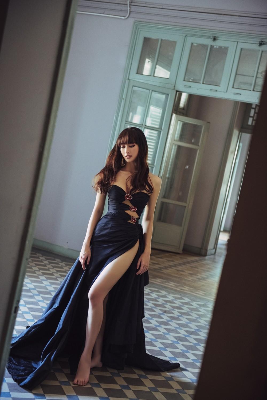 Hoa hậu Lương Thùy Linh khoe đôi chân 1m22 thon dài hiếm có trong bộ ảnh thời trang mới ảnh 6