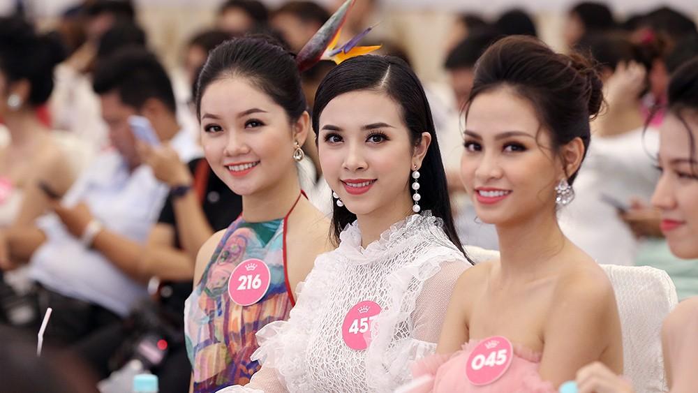 Toàn cảnh họp báo Chung kết Hoa hậu Việt Nam 2018 ảnh 10