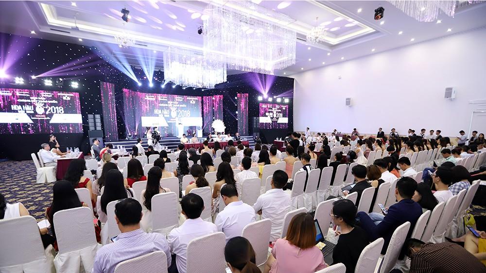 Toàn cảnh họp báo Chung kết Hoa hậu Việt Nam 2018 ảnh 13