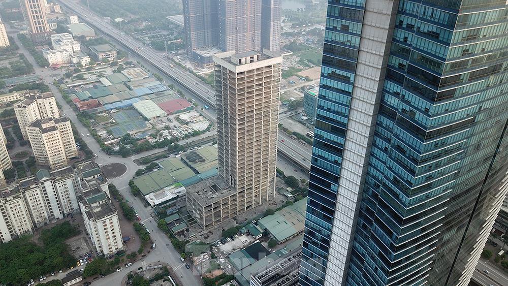 Nhìn gần tháp nghìn tỷ bị bỏ hoang lâu năm đang xin bán tại Hà Nội ảnh 2