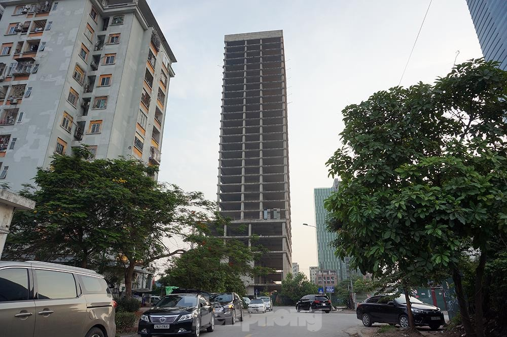 Nhìn gần tháp nghìn tỷ bị bỏ hoang lâu năm đang xin bán tại Hà Nội ảnh 4